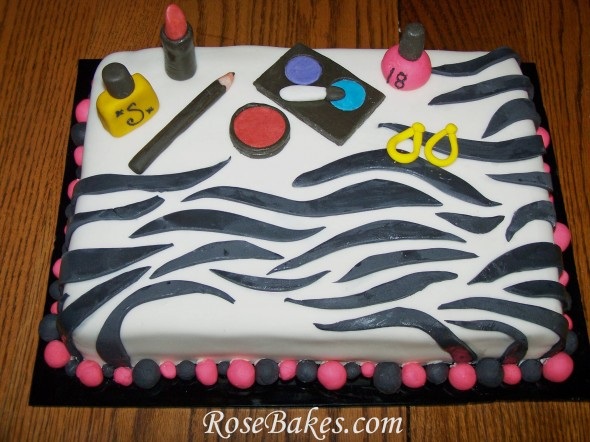 How To Make Zebra Stripes On A Cake With Icing