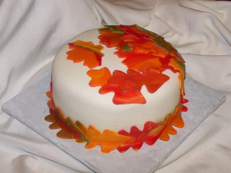 Fall leaves cake