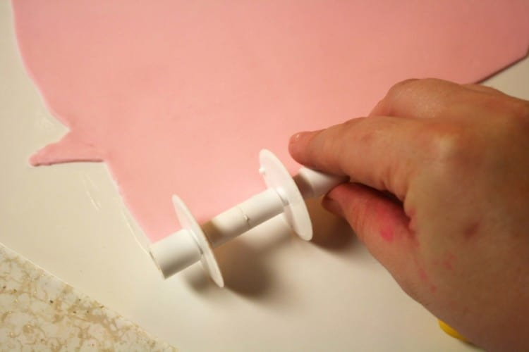 Fondant Bow Cutting Ribbons 1