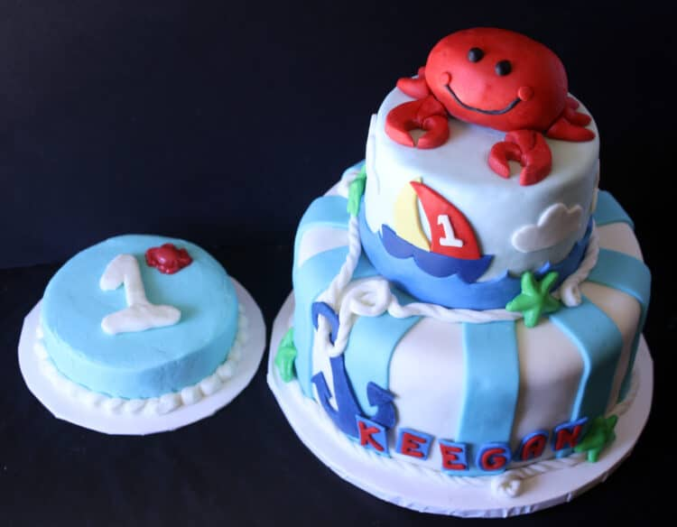 picture of 3 tier cake and smash cake