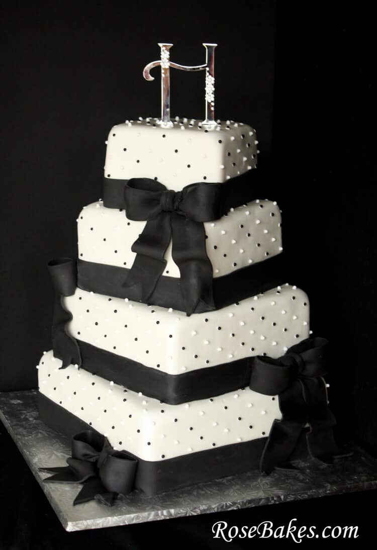 black white gold wedding cake black amp white wedding cake 11906