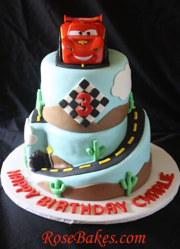 Lightning mcqueen on Pinterest Lightning Mcqueen Cake ...
