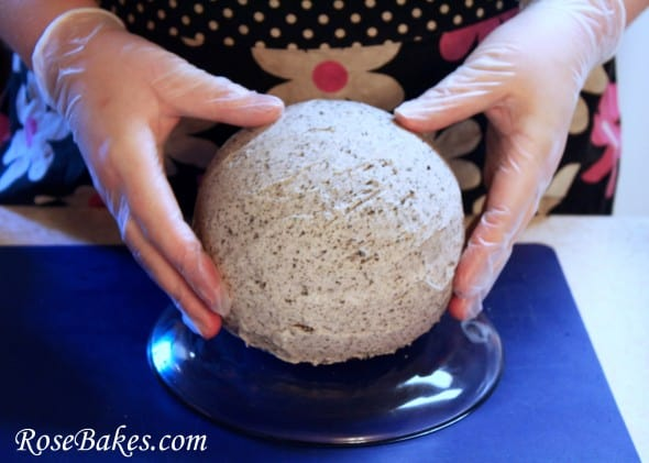 How To Cover A Round Ball Cake With Fondant