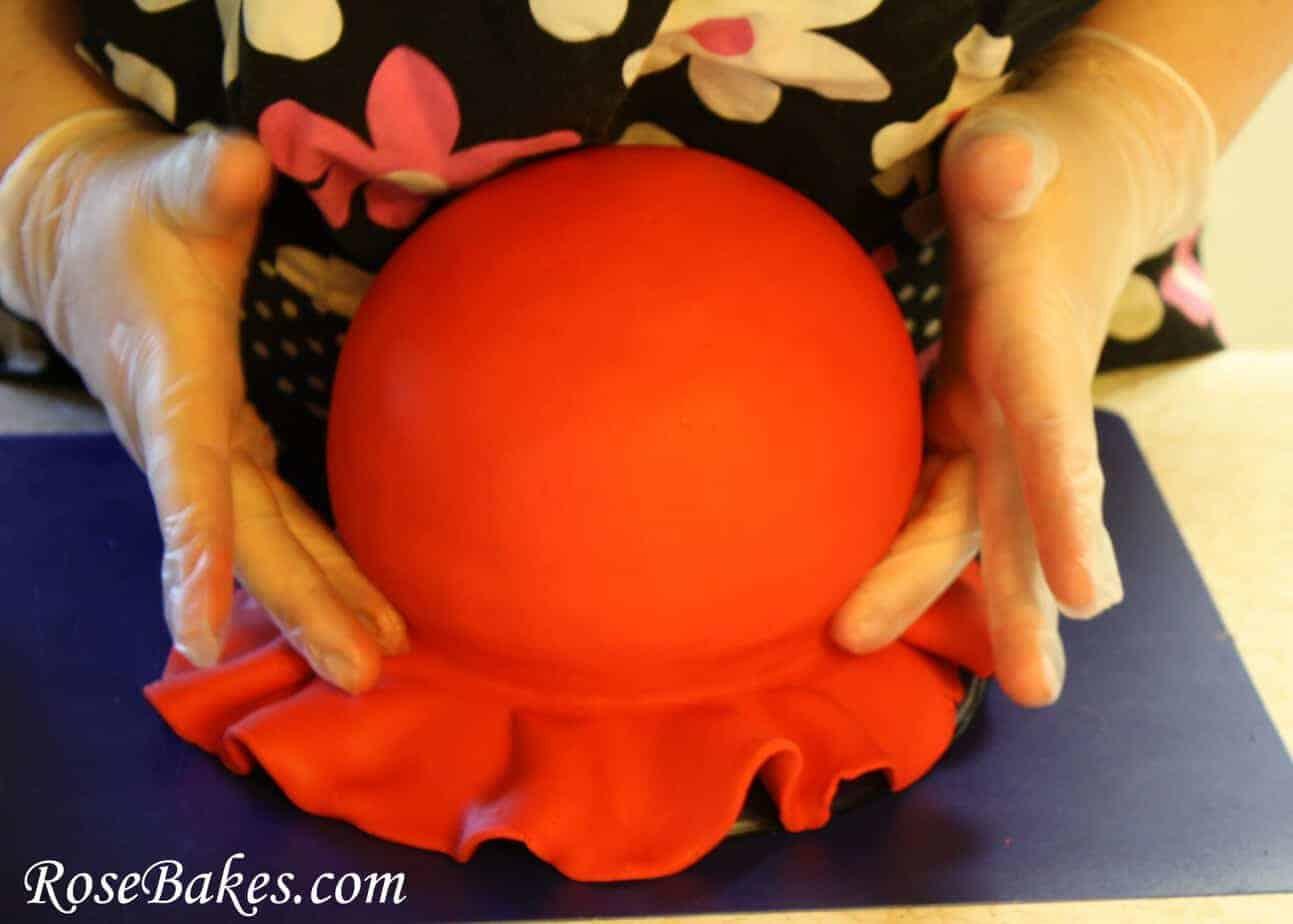 Ballroom Cake Design : How to Make a Gum Paste Tiara (Step-by-Step Picture Tutorial)