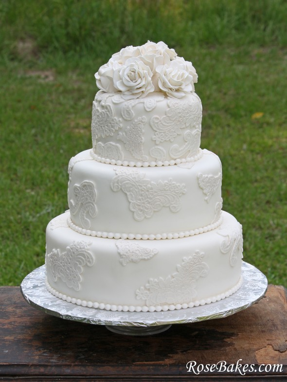 Easy Lace Cake Design : Vintage Lace Wedding Cake with Sugar Roses