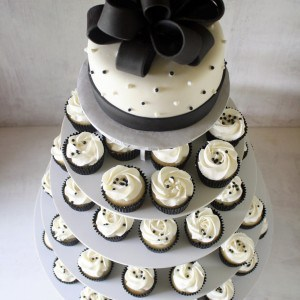 Wedding Cake Prices 65 Lovely Wedding cakes with cupcake