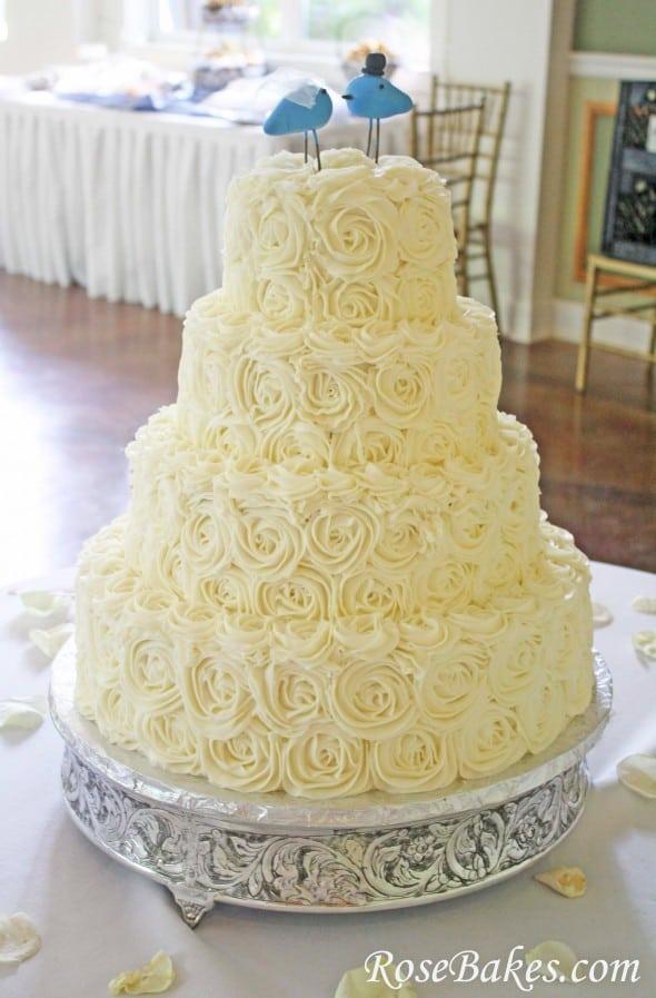 Rose Design Wedding Cake :