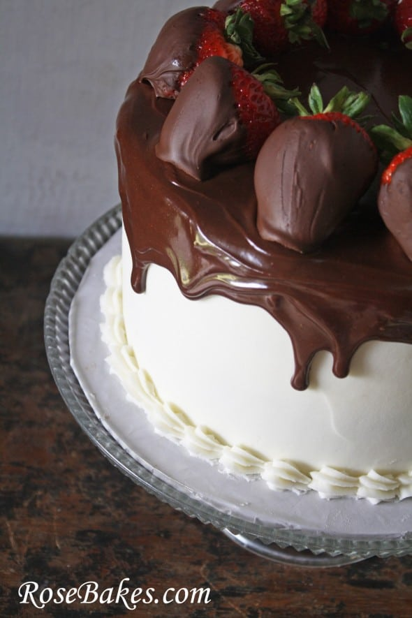 Cake With Chocolate Ganache And Strawberry Filling : Red Velvet Cake with Ganache and Chocolate Dipped Strawberries