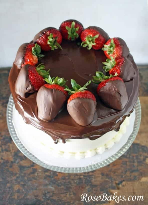 Cake With Chocolate Ganache And Strawberry Filling : Chocolate Cake with Vanilla Frosting Topped with Ganache ...