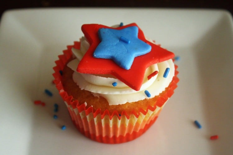 How to Make 4th of July Stars Cupcakes