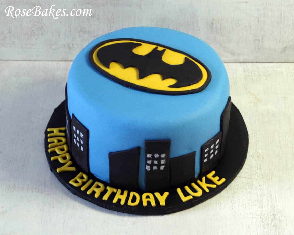 Easy To Make Superhero Cakes