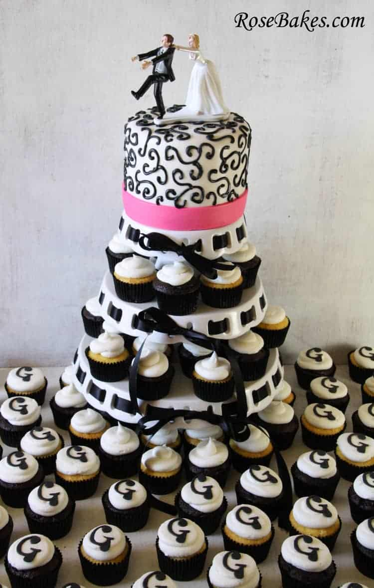 black and white wedding cakes cupcakes black amp pink wedding cake amp cupcake tower 11848
