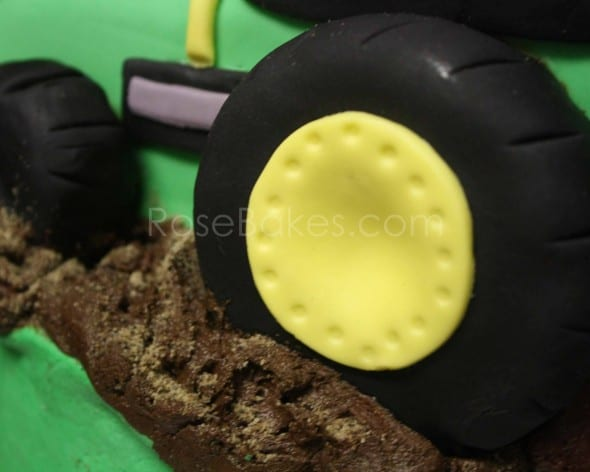 How to Make a Tractor Cake 38