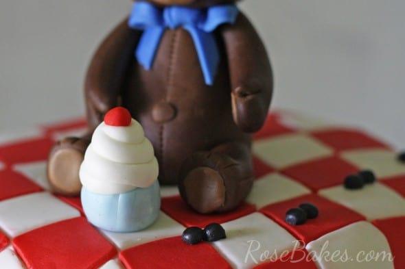 Cupcake on Teddy Bear Picnic Cake
