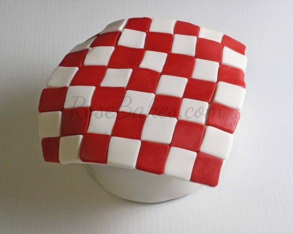 How to Make Fondant Checkered Blanket 12