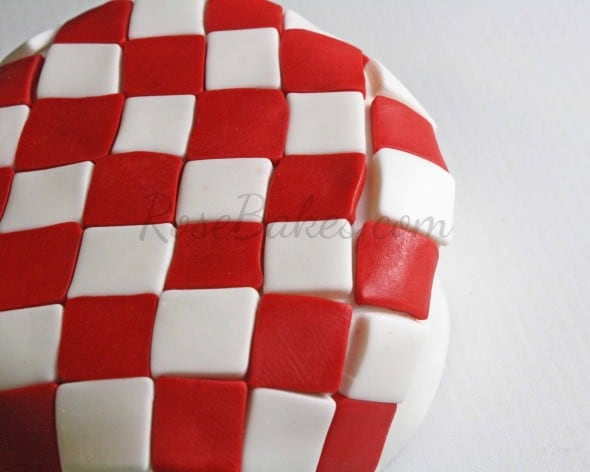 How to Make Fondant Checkered Blanket 13