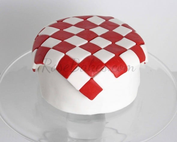 How to Make Fondant Checkered Blanket 14