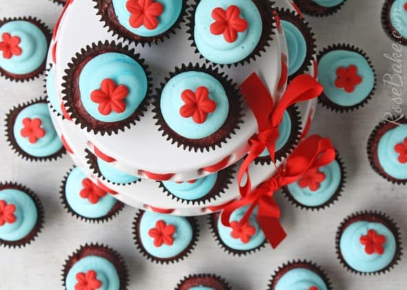 Raggedy Ann Cupcakes Stand
