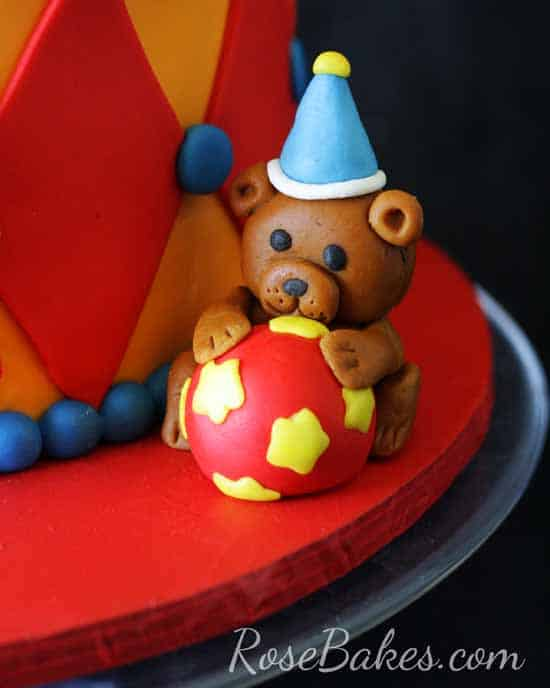 Fondant Bear with Ball Circus