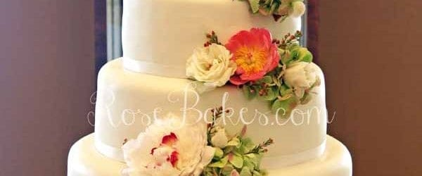 wedding cake pictures with cascading flowers white wedding cake with cascading fresh flowers bakes 23446