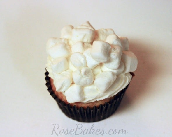 How to Make Easy Popcorn Cupcakes 05