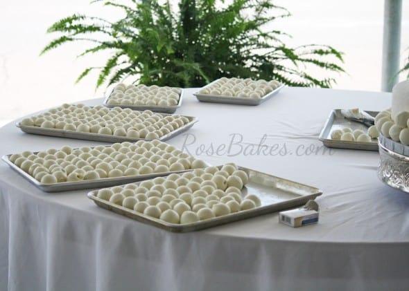 Cake Ballls Wedding Cake 04