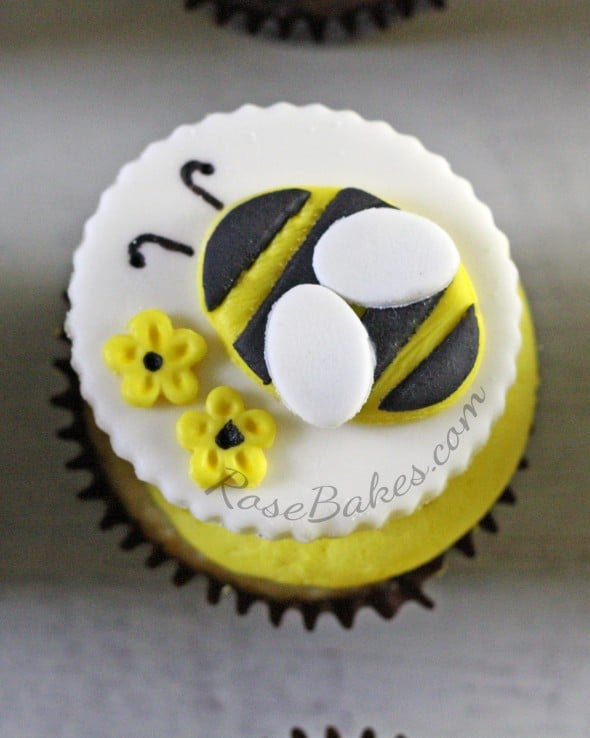 Bee Cupcake with Flowers