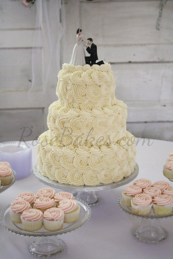 Wedding Cake Cupcakes Frosting