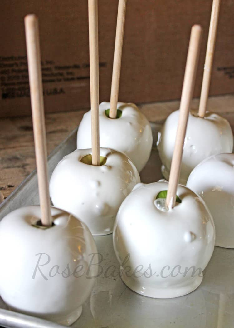 white candy apples with bubbles for how to prevent bubbles on candy apples post