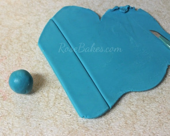How to Tie a Fondant Bandanna Knot 17