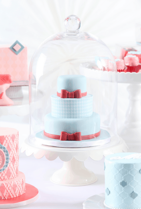 Click HERE to Learn to Make Mini Wedding Cake