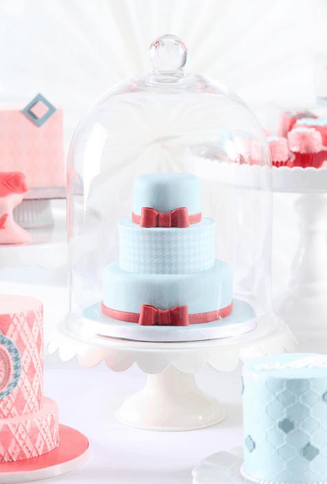 Click HERE to Learn to Make Mini Wedding Cake