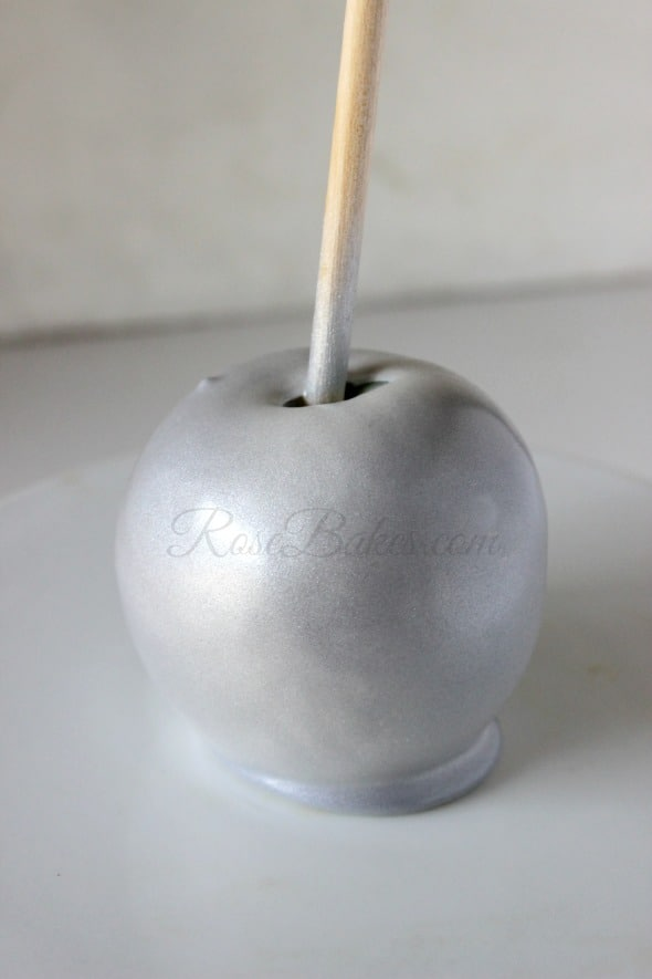 How to Make Silver & Gold Shimmery Candy Apples - Rose Bakes