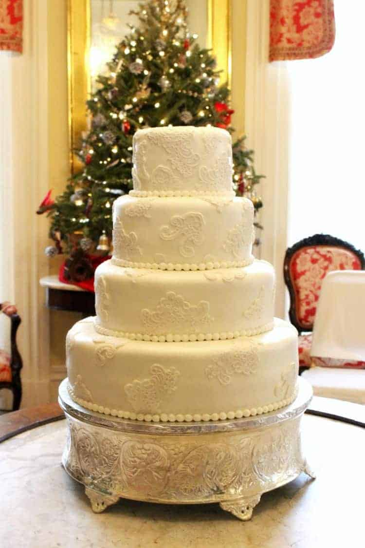 Vintage Lace Cake at Christmas