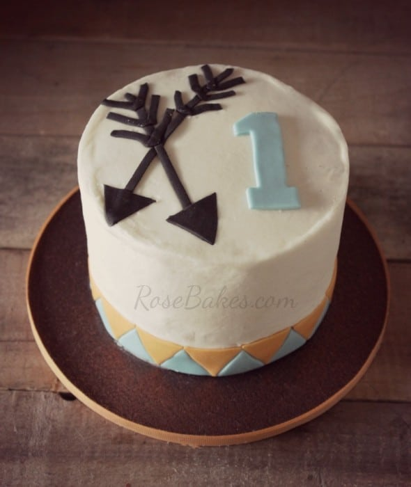 Arrows Smash Cake