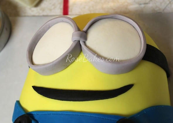 Minion Cake Tutorial 24