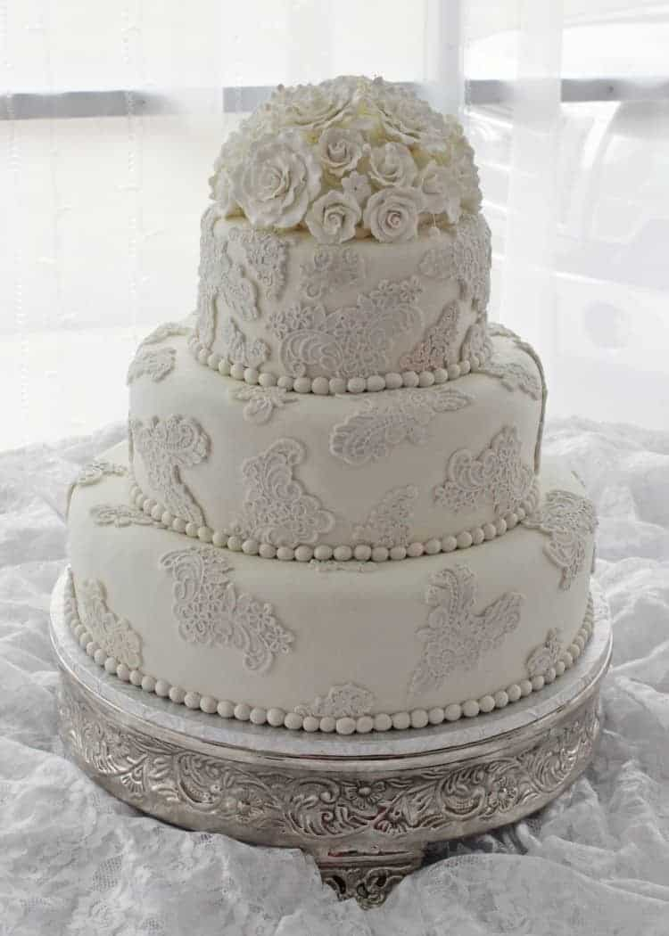 vintage lace wedding cake with sugar roses rose bakes. Black Bedroom Furniture Sets. Home Design Ideas