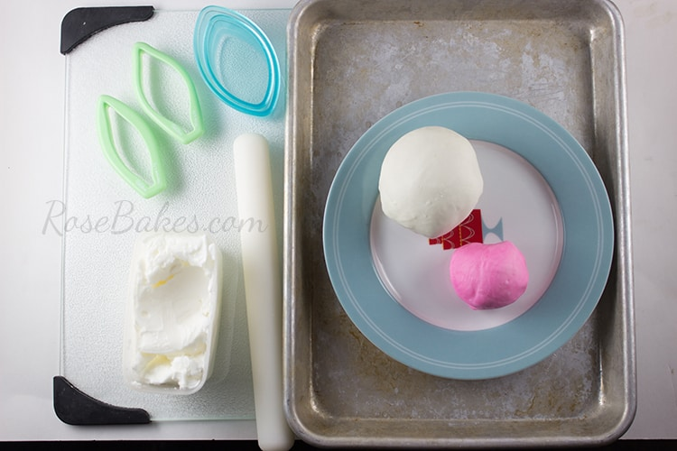 How to Make Easter Bunny Rabbit Ears Cupcake Toppers