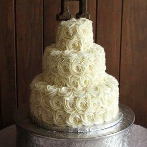 Rustic Buttercream Roses Wedding Cakae