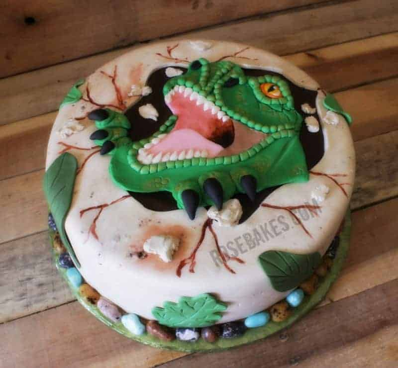 How To Make Dinosaur Cake Out Of Cupcakes