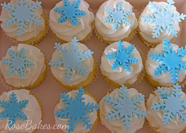 Snowflakes-Frozen-Cupcakes