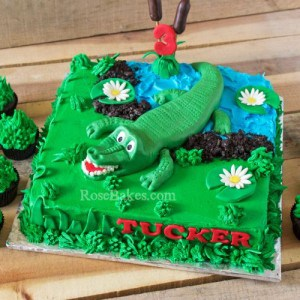 Aligator Swamp Cake and Grass Cupcakes by Rose Bakes