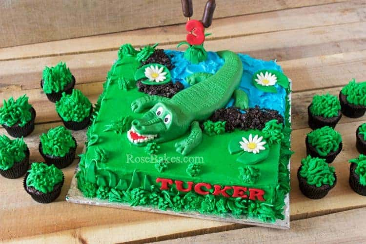 Make Alligator Cupcake Cake