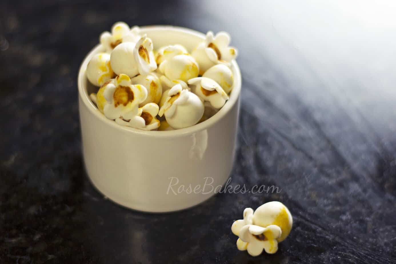 How-to-Make-Fondant-Popcorn-19