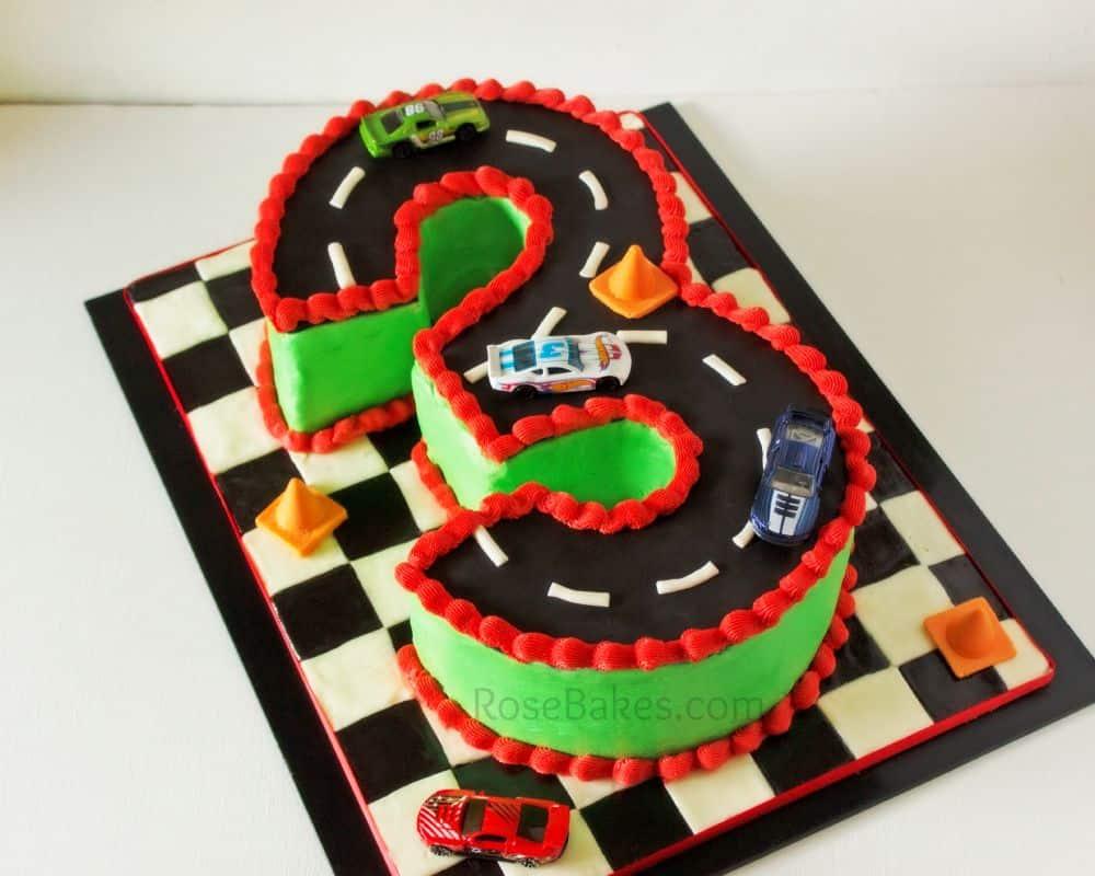 Racetrack 3 Cake