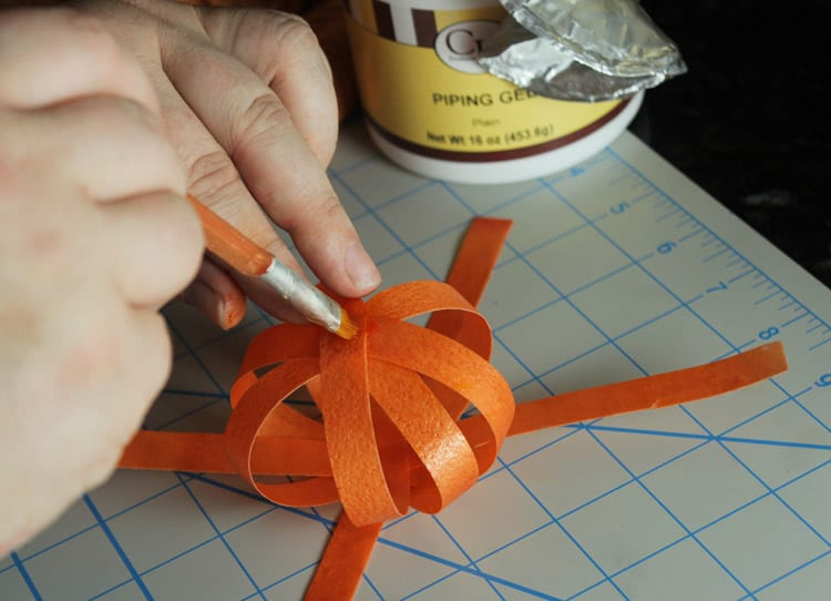 How-to-Make-Wafer-Paper-Pumpkin-Cake-Topper-09