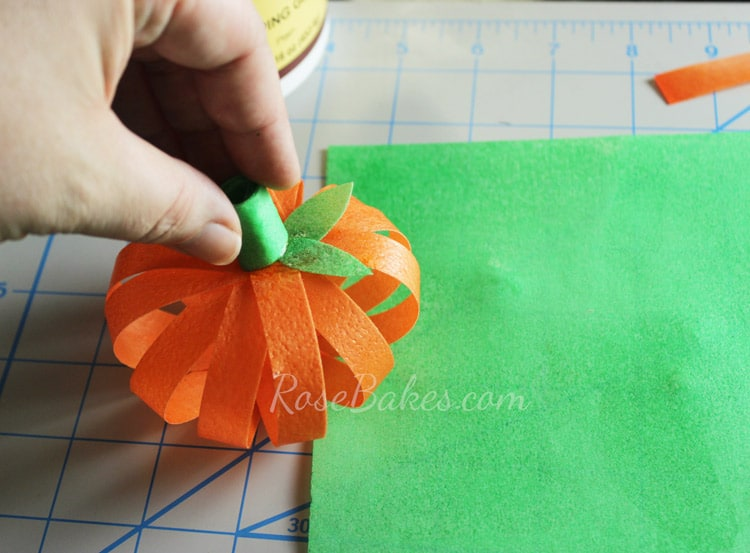 How-to-Make-Wafer-Paper-Pumpkin-Cake-Topper-14