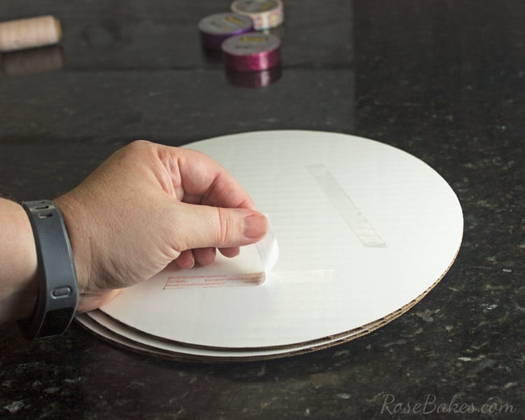 How-to-Decorate-a-Cake-Board-&-Cake-with-Scotch®-Brand-Expressions-Tape-02