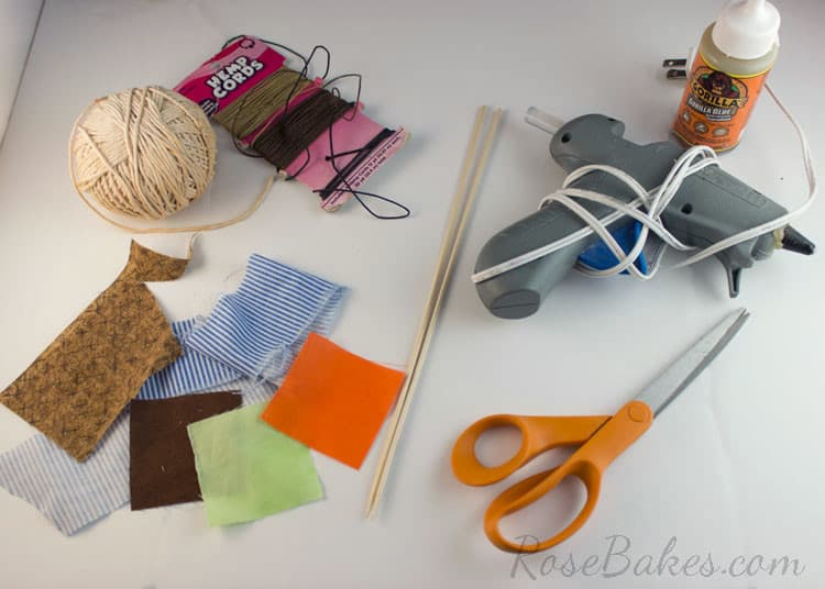 How-to-Make-Bunting-for-Cake-01