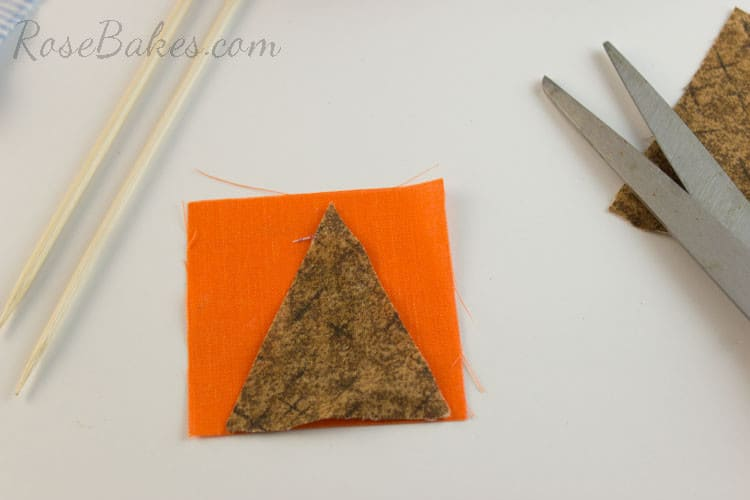 How-to-Make-Bunting-for-Cake-04